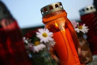 sveča pogreb smrt pokopališče