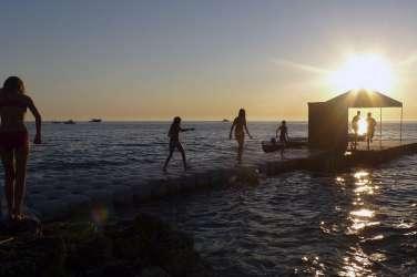 pulj, morje, kopalci, plaža