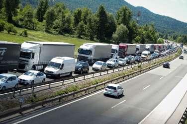 prometna nesreča, vrhnika, zastoj avtocesta