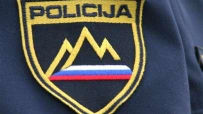 Mariborski policisti vdrli v stanovanje in rešili mati z otrokom