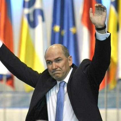 AVDIO: Janez Janša z 'rapanjem' prebuja Slovenijo