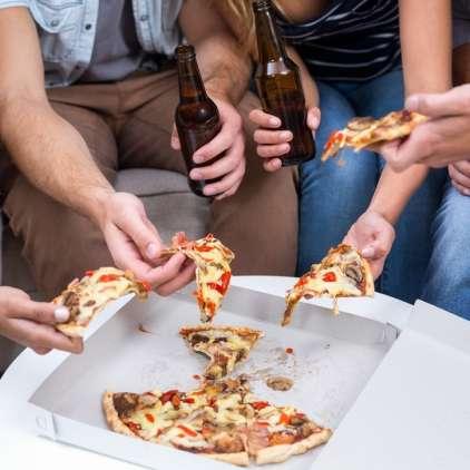 Zakaj po pijančevanju postanemo lačni?