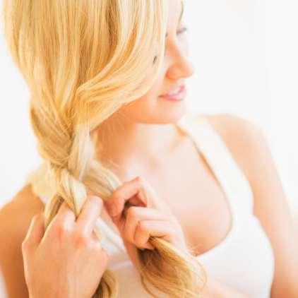 VIDEO: Z enostavnim trikom do daljših las