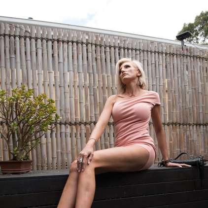 FOTO: Presenetljivo priznanje lepotice z najdaljšimi nogami