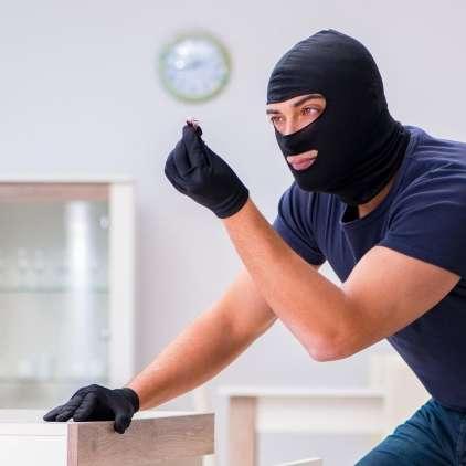 Veste, kam je v hiši varno skriti denar?