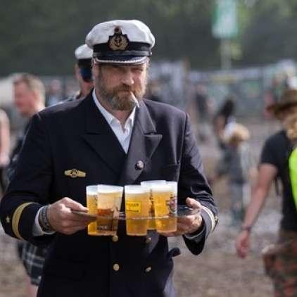 Obiskovalce festivala bodo oskrbeli s cevovodom za pivo