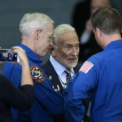 Drugi človek na Luni začrtal mejo: Do leta 2040 ...