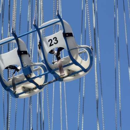 FOTO: Kaos: tudi otroci na Hrvaškem ujeti 30 metrov nad tlemi