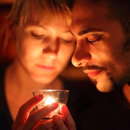 Moč goreče sveče lahko izkoristite