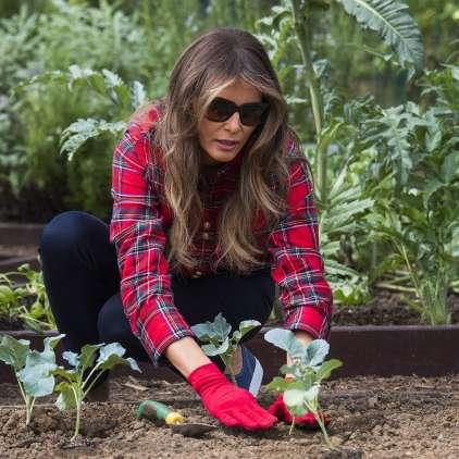 FOTO: Tako je vrtnarila Melania