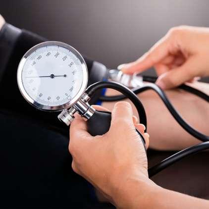 Normalizirajte krvni pritisk po naravni poti!