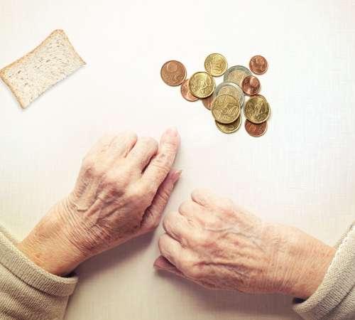 Konec krize, podčrtan z revščino