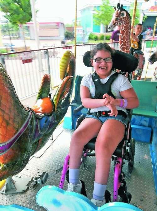 Oče je zgradil zabaviščni park za invalidno hčer