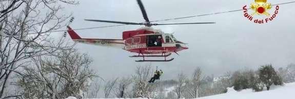 Nedaleč od zasutega hotela strmoglavil helikopter: šest mrtvih