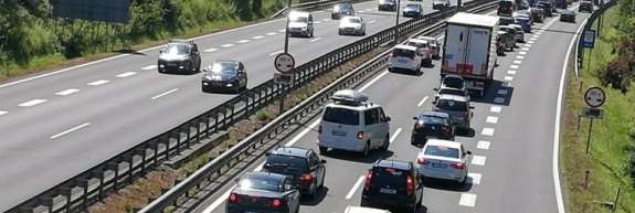 NSI bi dovolila umik na odstavni pas avtoceste v primeru nesreč