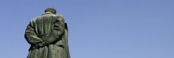 Titomanija: V Velenju šest metrov visok spomenik Josipu Brozu še kar stoji