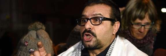 Podporniki Ahmada Šamija skušajo rešiti pred deportacijo; Cerar je po odločitvi sodišča tiho