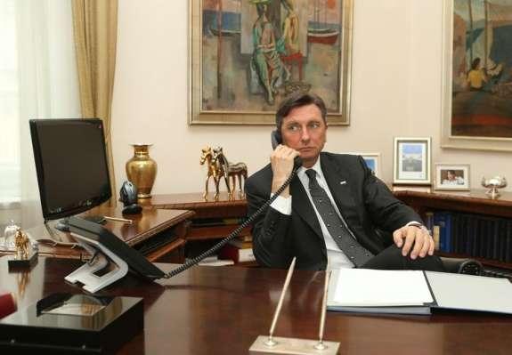 Nad Pahorja že v prvem krogu: kako premagati predsednika