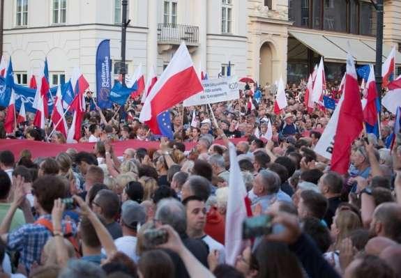 """Poljsko veleposlaništvo zavrača """"neresnično"""" poročanje slovenskiih medijev o pravosodni reformi"""
