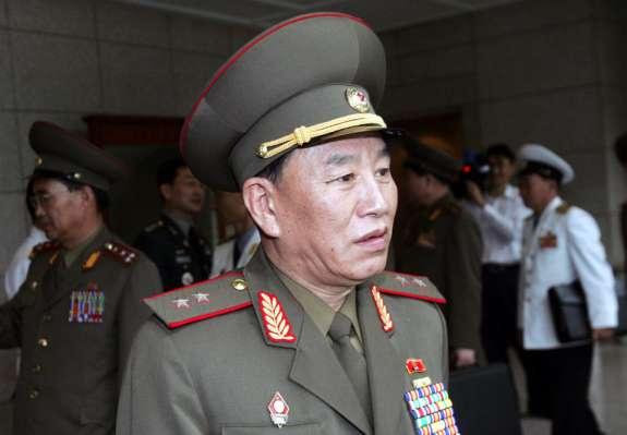 Južnokorejski poslanci bi kar na ulici obesili severnokorejskega generala, ki prihaja na zaključek OI