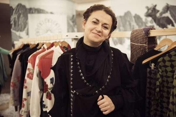 Sanja Grcić, modna oblikovalka, v Zofi