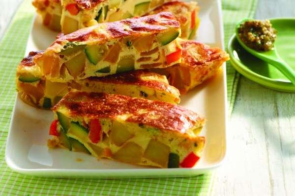 mediterrane-frittata-mit-zucchini-kartoffeln-und-paprika.jpg