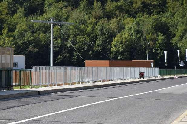 Menjajo ograjo