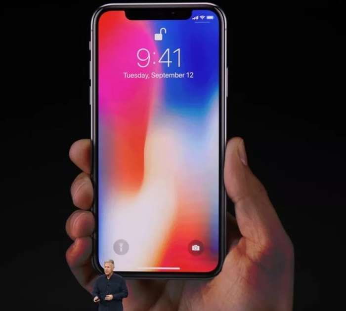 Apple predstavil mobilnike Iphone X in Iphone 8
