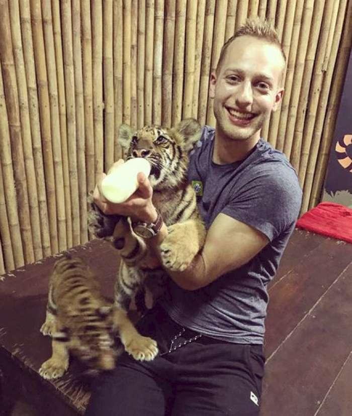 Sin Rosvite Pesek se je na Tajskem čisto zaljubil!