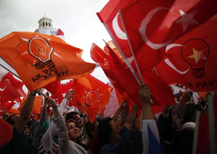 Turški pregon novinarjev: če ne pišeš po volji oblasti, si obtožen teroristične propagande