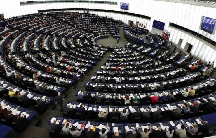 EPP terja spoštovanje tajnega dogovora, S&D in Alde se nanj požvižgata