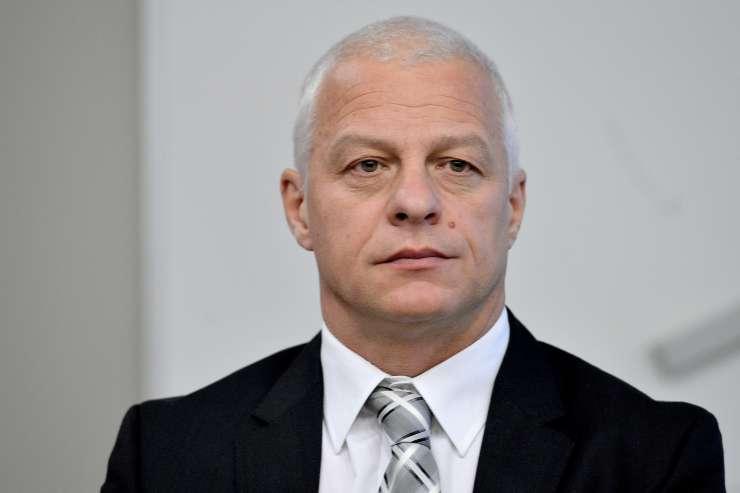 Skesani Drago Kos se je opravičil sodniku, ki ga je obtožil korupcije
