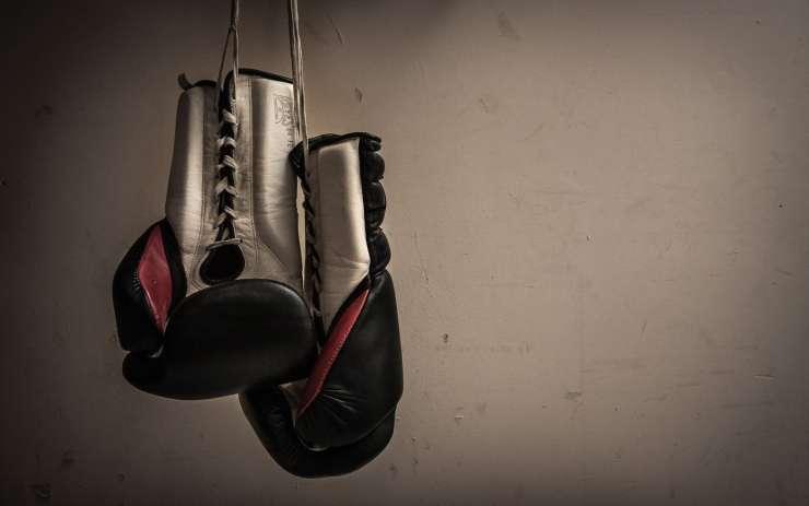 Karitas bo ilegalne migrante integriral z učenjem boksa