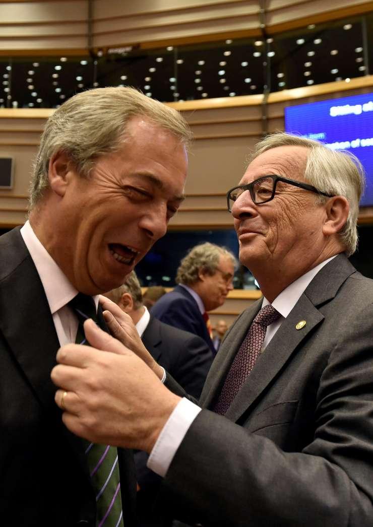 Evroskeptiku Farageu bo Evropski parlament odvzel polovico desetih plač