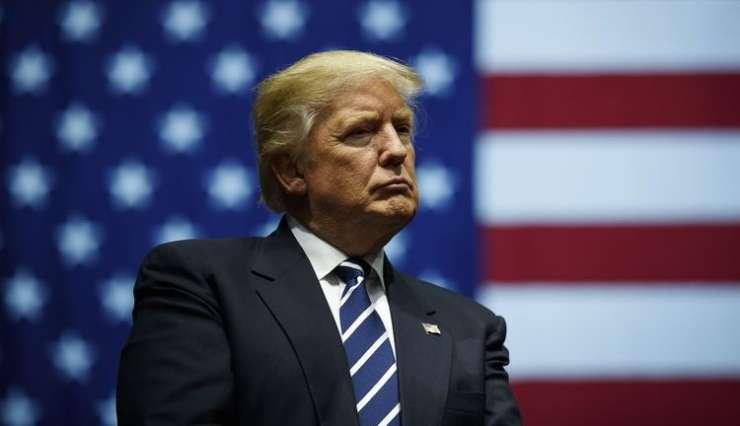 """Trump v vojni z mediji: """"Propadajoč kup smeti"""" in """"lažne novice""""!"""