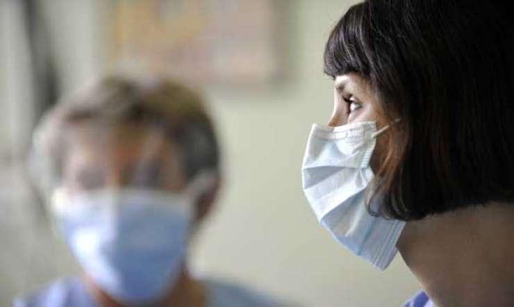 Na urgenci jim že zmanjkuje postelj, naval zaradi gripe šele prihaja