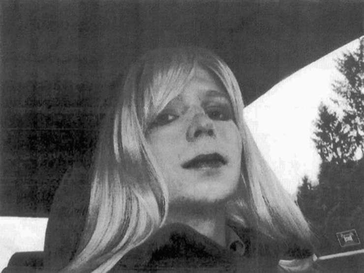 Pomiloščena Chelsea Manning zapustila ameriški vojaški zapor