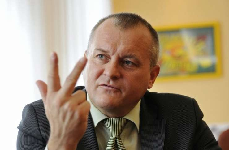 Ne 121.000, od Kanglerja hočejo zdaj iztožiti kar 256.000 evrov!