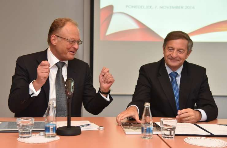 Diplomatski škandal: Se Erjavcu zaradi Škrabca maje stolček?