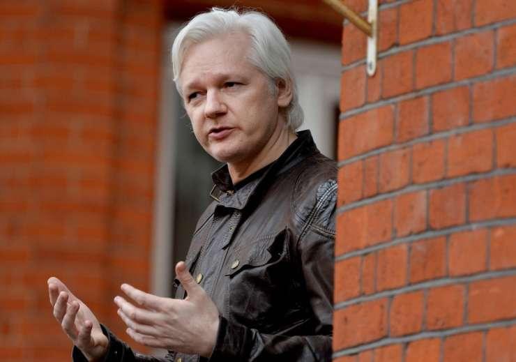 """""""Ekvadorec"""" Assange ne bo dobil diplomatskega statusa na Otoku"""
