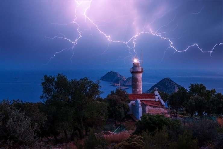 Bi za 50 let najeli svetilnik v Italliji?
