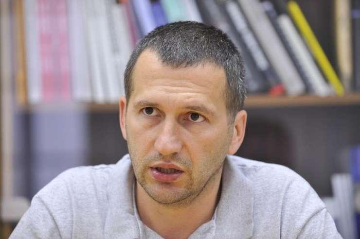 Prisluhi razkrivajo neverjetno spolno nasilništvo in perverzije Jankovića