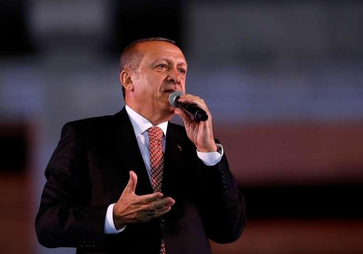 """Barbarska grožnja Erdogana """"izdajalcem"""": Odsekal vam bom glave!"""