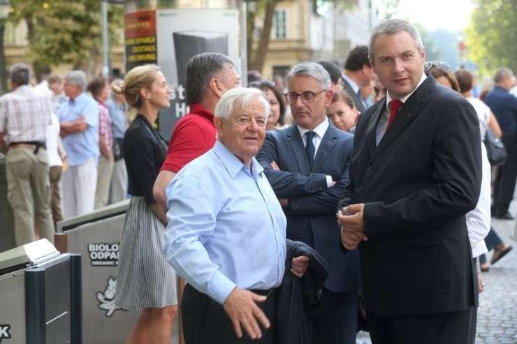 Politični scenariji: Milan Kučan v ozadju že snuje novo koalicijo