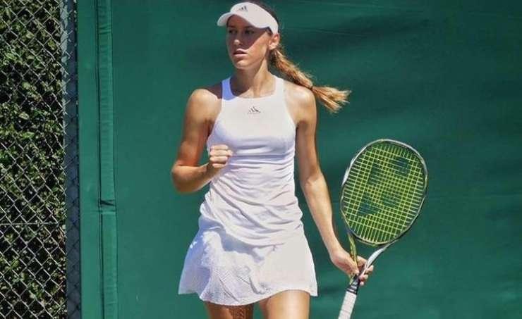 Kaja Juvan mladinska prvakinja Wimbledona v dvojicah