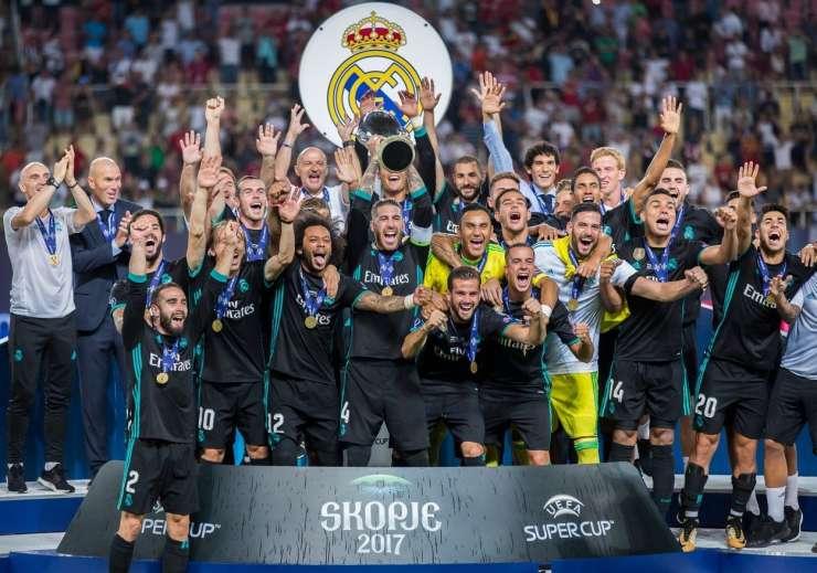 Real po četrt stoletja prva ekipa, ki je osvojila dva zaporedna evropska superpokala