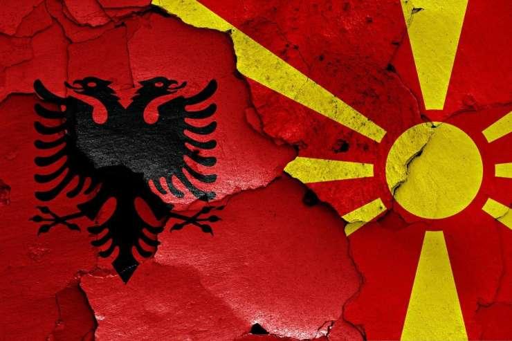 Makedonska vlada uvaja albanščino kot drugi uradni jezik