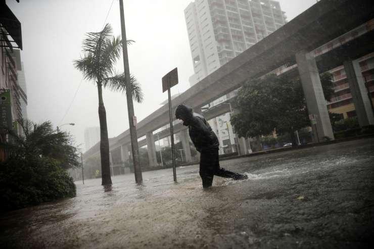 Florida se je izognila najhujšemu, a škoda bo velika