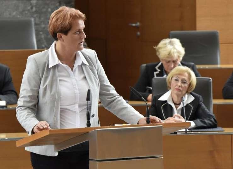 Jelka Godec: Slovenci si ne zaslužimo korumpiranega zdravstva