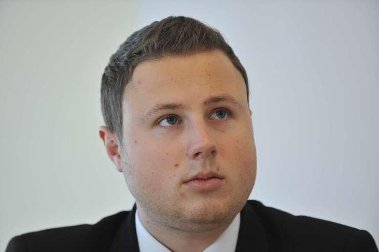 Premier Cerar podžgal Hrvate, ki se zdaj na forumih prav nesramno norčujejo iz Žana Mahniča